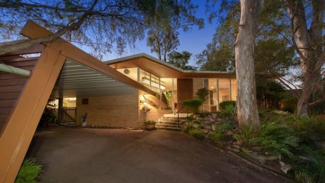 1960s Donald Spencer designed trophy home at The Gap sold