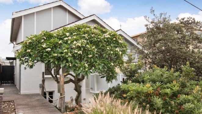 North Melbourne chairman sells in Bronte