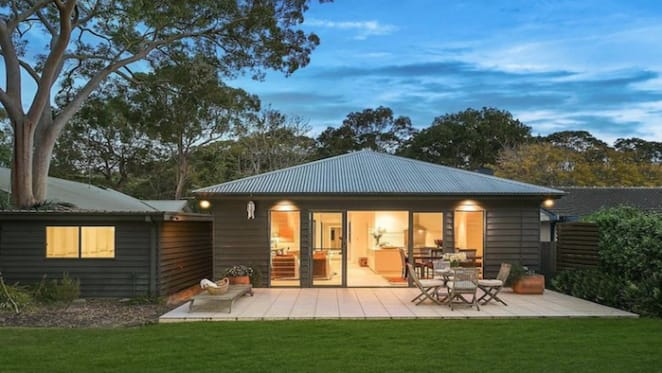 Toni Collette's Pearl Beach family home fails to show any price growth