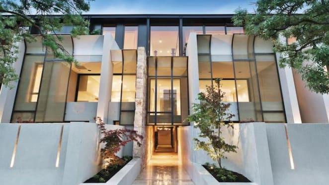 Hopetoun Avenue, Toorak trophy home listed with $7 million hopes