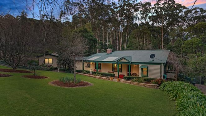 Fred Williams' former Upwey home, Allawah sold