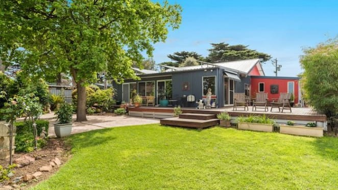 Phillip Island property with farm, butcher shop and cafe sells for $1,835,000