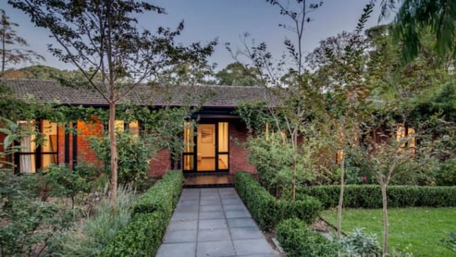 Retired politician Chris Pyne sells Adelaide home
