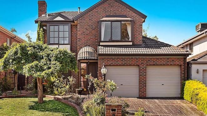 1990s Wheelers Hill home sold by mortgagee