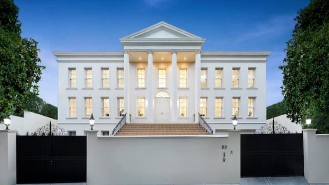 Toorak home resembling The White House sells quickly