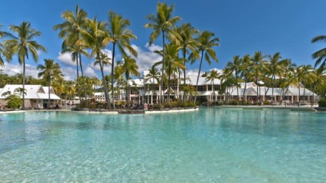 Legendary horse trainer Lloyd Williams lists Port Douglas holiday home