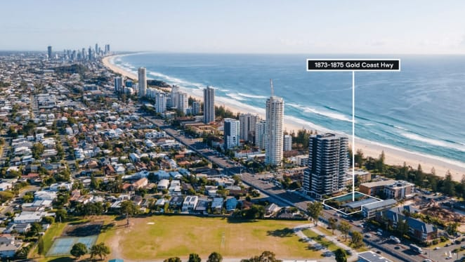 Apartment developers set to swoop on Burleigh Heads apartment site, as stock tightens