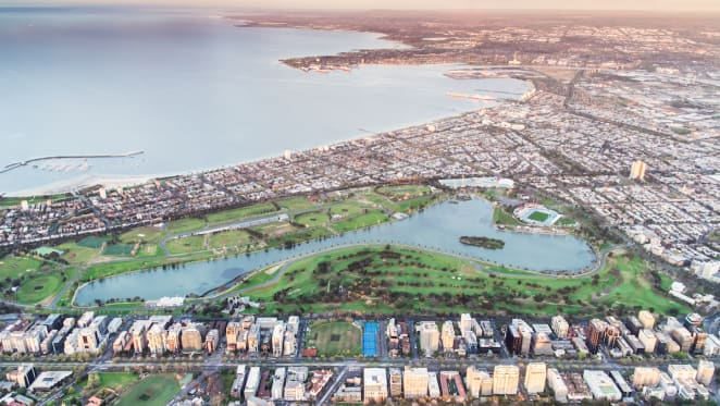 Melbourne's newest off-the-plan apartments and their closest golf courses