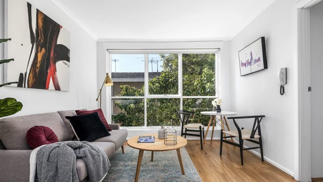 Smaller Melbourne apartments snapped up by regional owners as city bolthole
