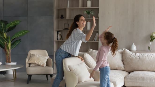 Strong first home uptake from single mums for low deposit government scheme