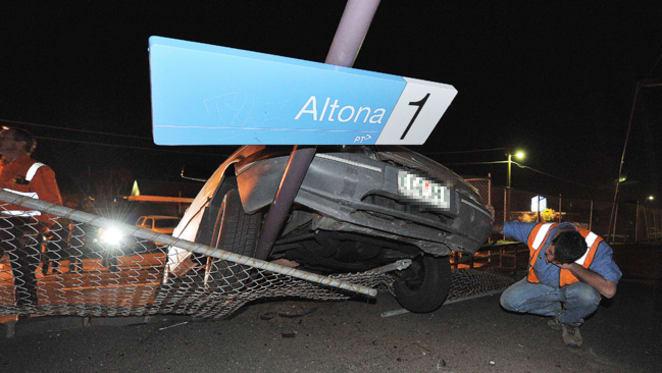 Altona Smashed! - A Light Rail solution to a heavy problem