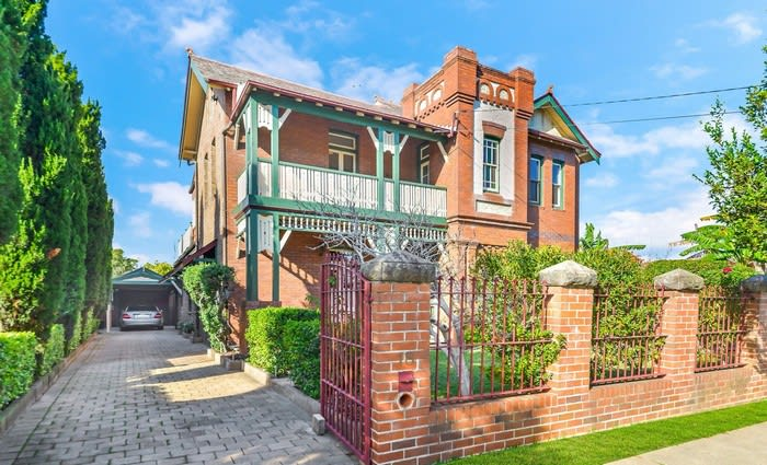 Award winning Underbelly director Peter Andrikidis sells long-time Burwood home