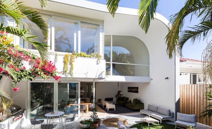 Coastal designer home in Bronte sold for $5.85 million