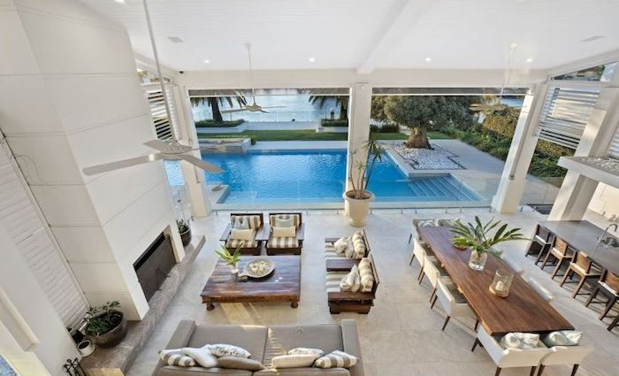 Luxury Broadbeach Waters mansion for sale