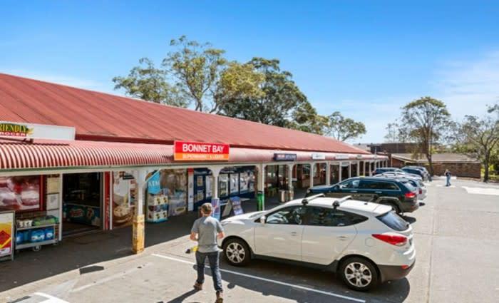 Bonnet Bay shopping village sold for $3.76 million