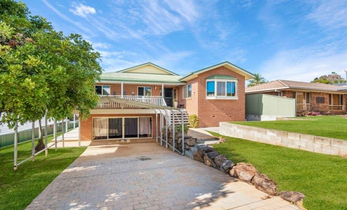 Banora Point, NSW mortgagee home sold for $130,000 below initial asking price