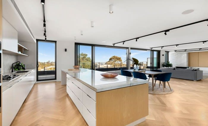 Beaumaris, Victoria mortgagee home sold $1.5 million below initial asking price