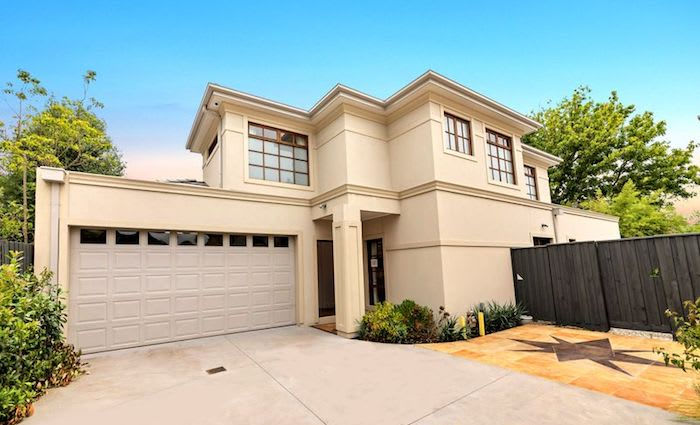 Blackburn, Vic mortgagee home sold for $300,000 off original listing