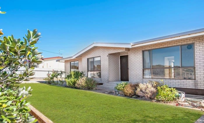 Asking price drops to shift Port Neill mortgagee home stuck on the market
