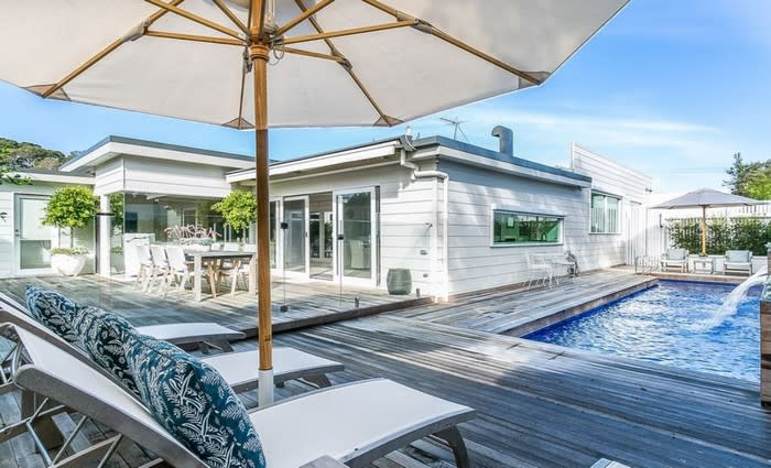 Single level Sorrento beach home sold