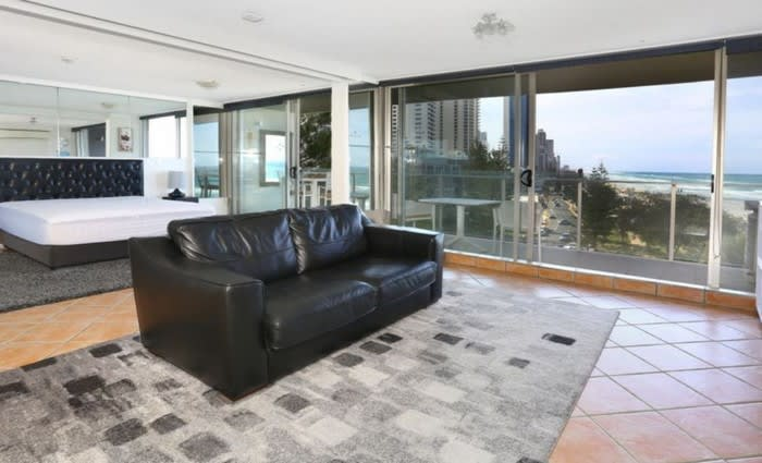Surfers Paradise mortgagee unit sold for $50,000 below asking price