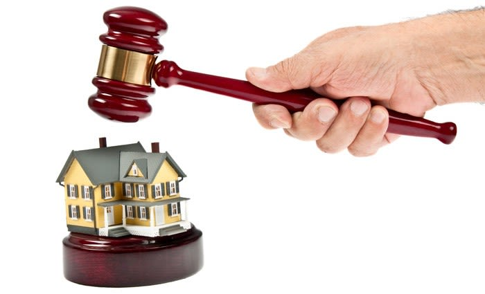 Victorian real estate customers stuck in limbo: Dan White