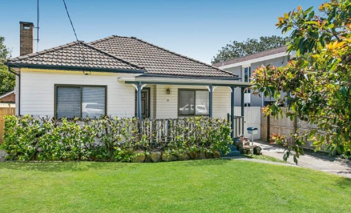 Sea Eagle Daly Cherry-Evans sells former Curl Curl home