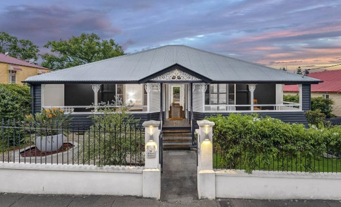 Rugby Union boss lists Brisbane home