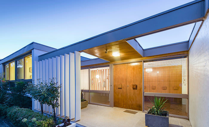 Iconic mid-century Canberra trophy home set to go under the hammer
