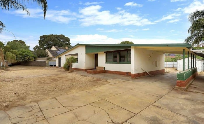Elizabeth Vale, SA mortgagee home sold for minor loss