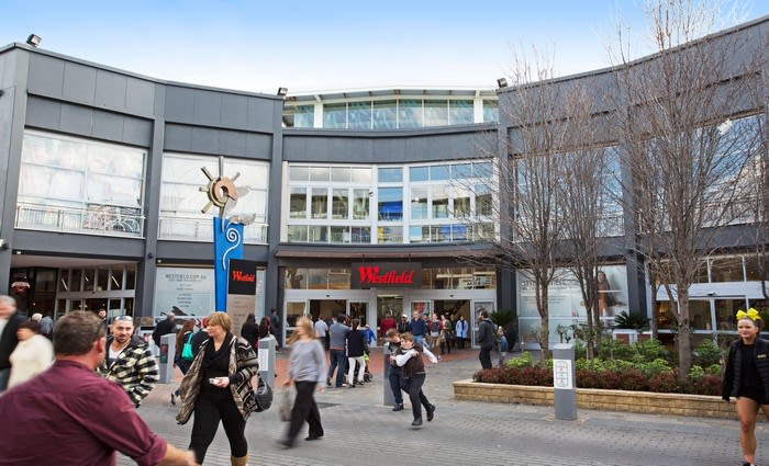 Swarovksi relaunches their Knox City store in Knox Westfield