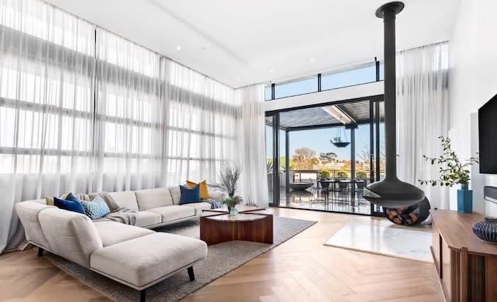 Melbourne construction digital entrepreneur Rob Phillpot scores both Block Gatwick penthouses