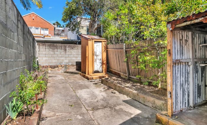 Albert Square, Paddington terrace with backyard dunny for auction