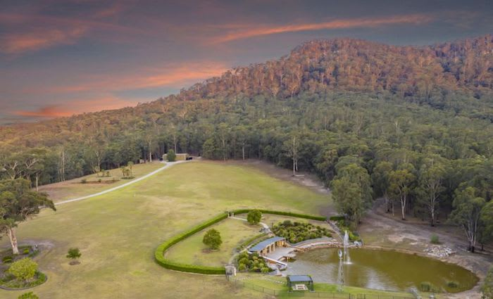 Hunter Valley lifestyle retreat adjoining national park listed
