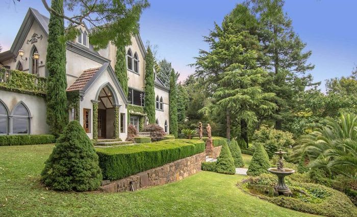 Beauxbatons Manor, Sassafras estate hits the market