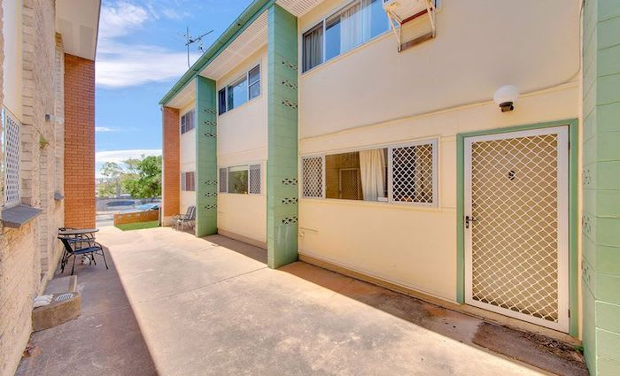 Half price South Gladstone townhouse listed by mortgagee