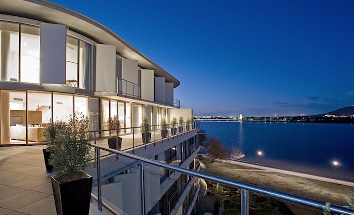 Malcolm Turnbull lists Canberra penthouse