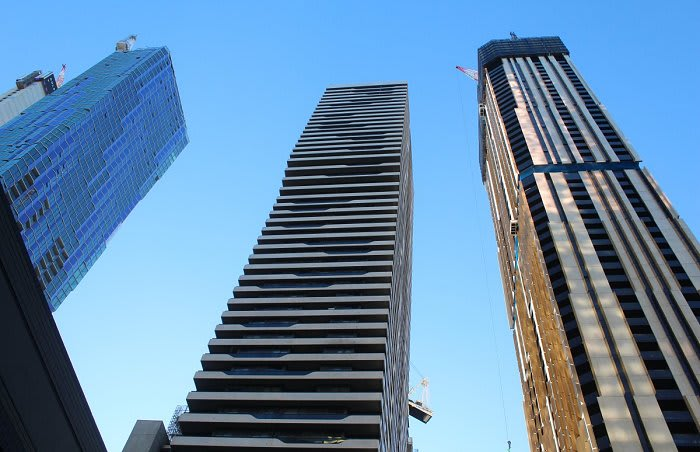 Empire Melbourne tops out, but is it Melbourne's Empire rose?