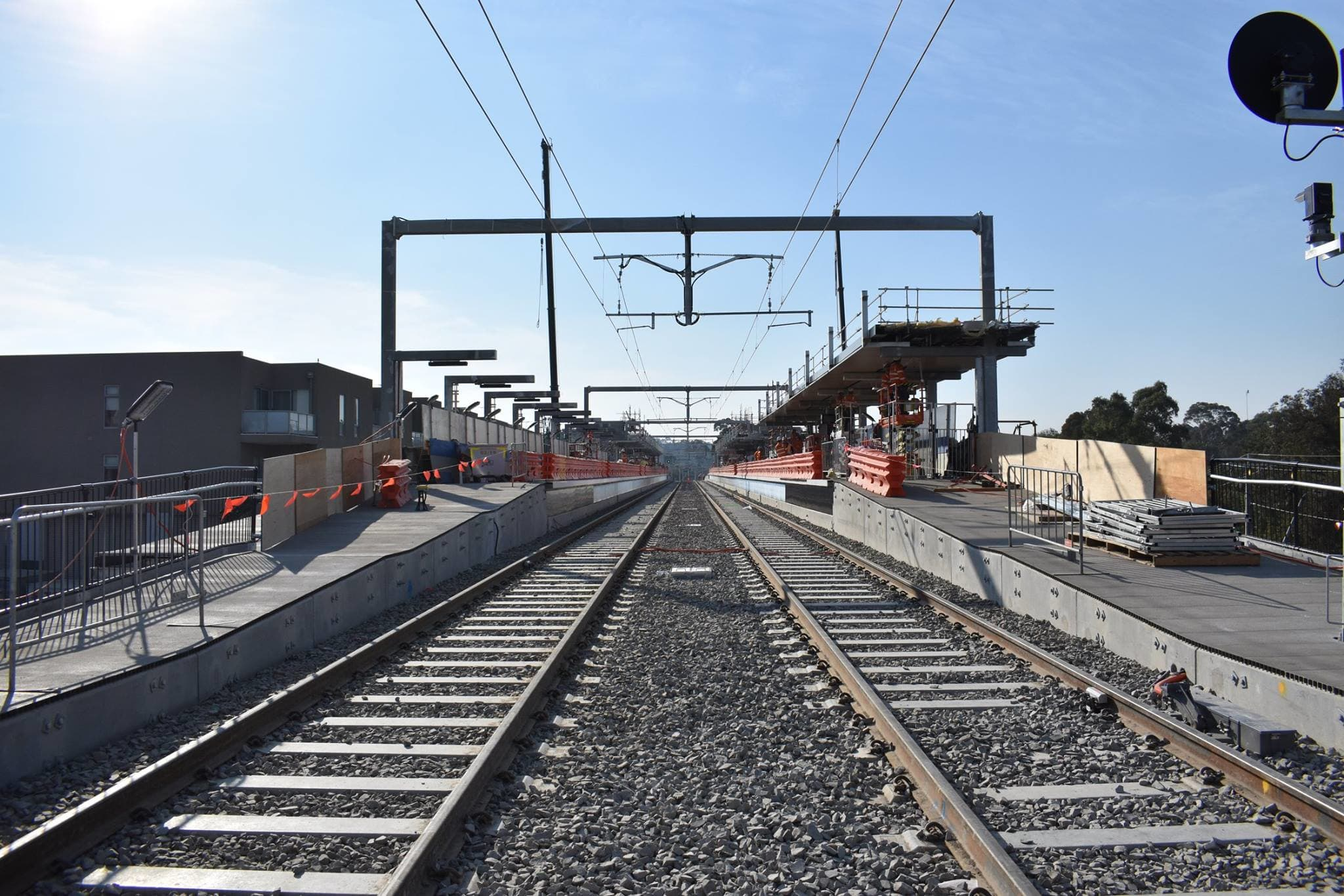 Rosanna station and the Hurstbridge line re-open