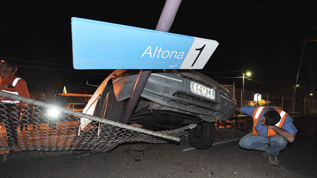 Altona Smashed! - A Light Rail solution to a heavy problem
