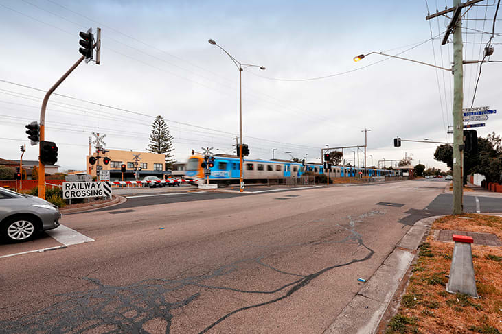 Bonbeach and Edithvale level crossing removals delayed by EES