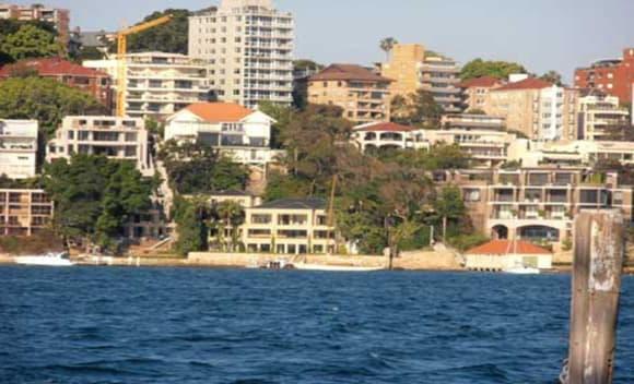 'Aussie' John Symond set for new Point Piper neighbours