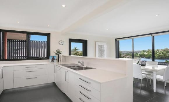 Northbridge house sold for 0,000 above reserve