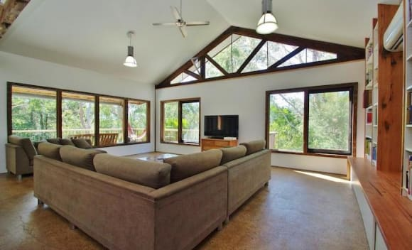 Industrial-designed Healesville house listed for above 0,000