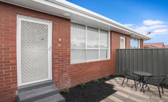 Apartments ranged between 0,000 and .7 million at weekend auctions