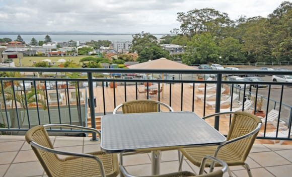 Nelson Bay, NSW waterfront units for under 0,000: Investar