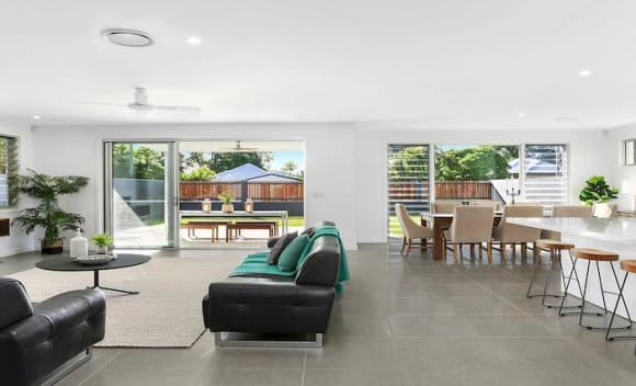 Five bedroom Yeronga house sold for <img src=