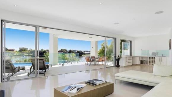 Gina Rinehart lists another Brisbane property