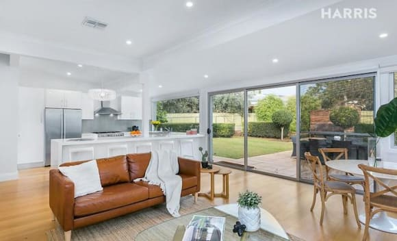 Classic 1925 Myrtle Bank bungalow sold for <img src=