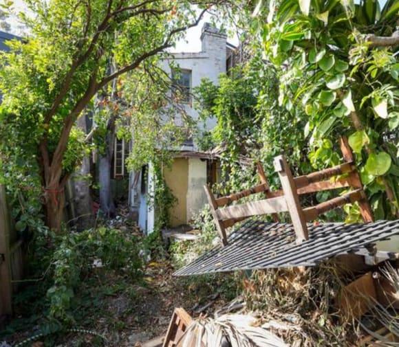 Surry Hills dump sells for <img src=